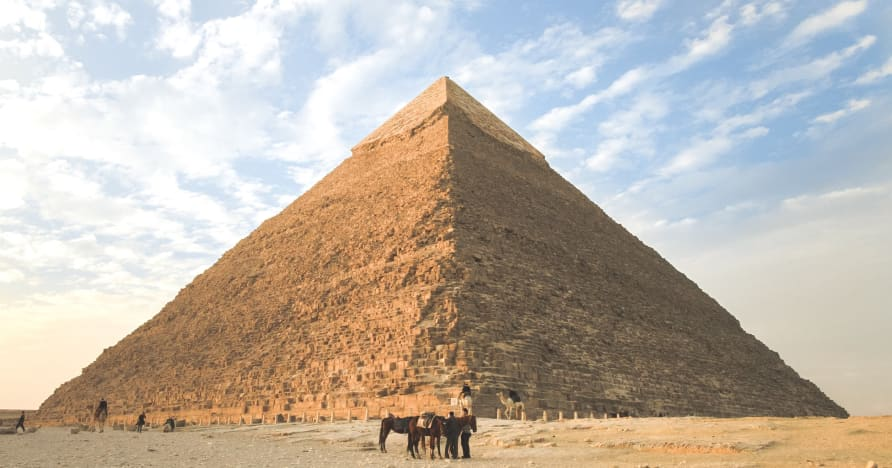 เครื่องสล็อตธีมอียิปต์ 6 อันดับแรกที่น่าเล่นในปี 2021